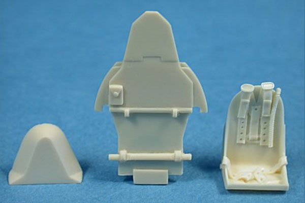 Ultracast Hawker Hurricane Seat (with armour plate for Hasegawa kits)
