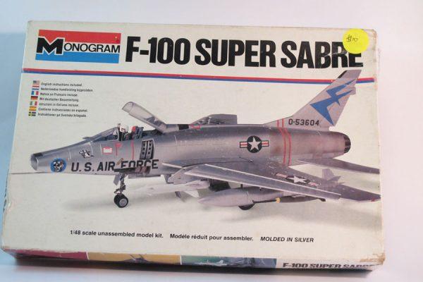 F-100 Super Sabre 1/48