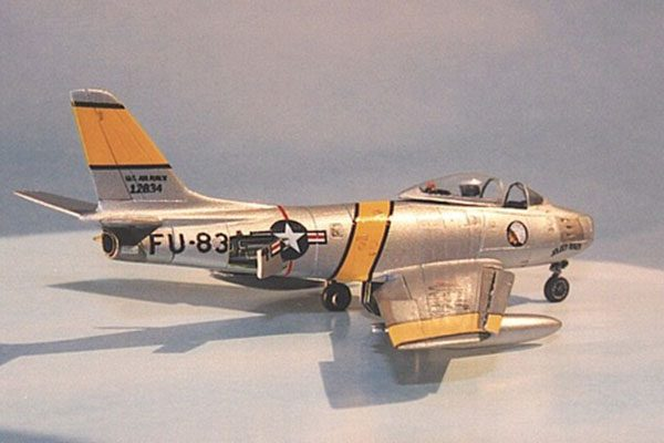 F-86 Sabre (injection, decals) -1/144