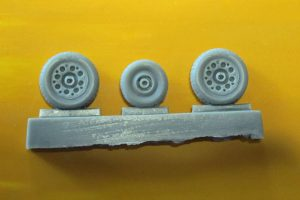Gloster Meteor Wheels - Block Tread - 1/48 scale