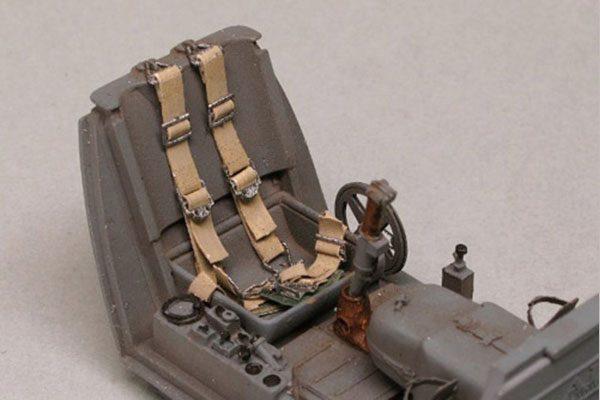 Luftwaffe Pilot's Harness - 1/32