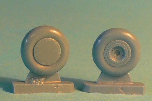 P-40 wheels (for later series P-40E, etc)